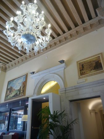 Ruzzini Palace Hotel : Hotel Entrance hall 2 