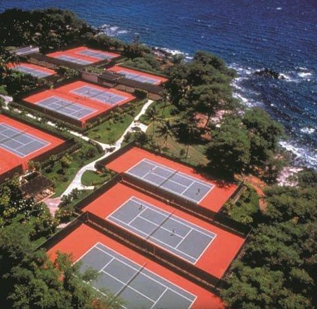 Mauna Kea Beach Hotel: Seaside Tennis Courts