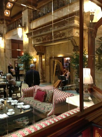 The Brown Palace Hotel and Spa, Autograph Collection: Tea in lobby with Harpist