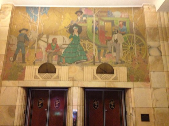 The Brown Palace Hotel and Spa, Autograph Collection: Interesting Frieze over elevators