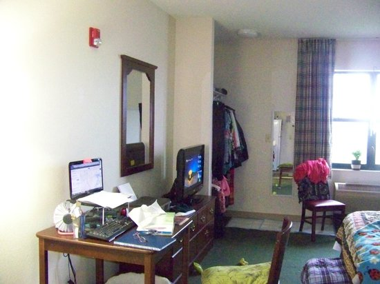 Extended Stay America - Fayetteville - Springdale: My office while I was staying in the ADA room.