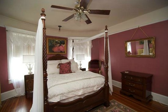 Pine Bush House Bed & Breakfast: Cabernet
