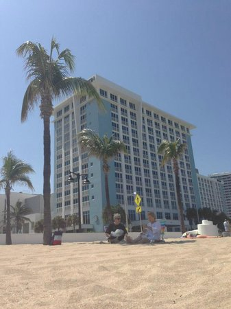 The Westin Beach Resort & Spa, Fort Lauderdale: One of the two Westin towers