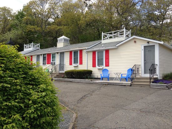 Buzzards Bay, MA: The motel
