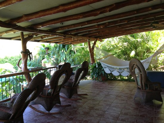 Nosara, Costa Rica : Lounge/ dining area 