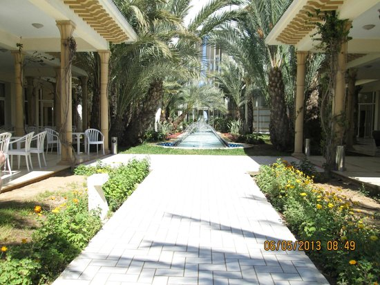 Iberostar Averroes: Hotel Averroes grounds
