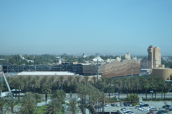 Hilton Anaheim: Studio with Disney View