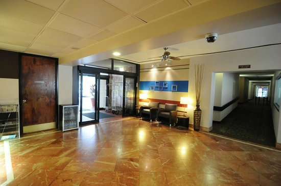 Quality Inn & Suites-Capital District: Contemporary Lobby