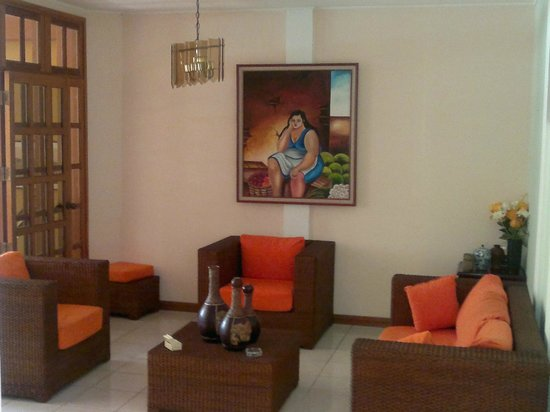Hotel Los Pinos: Living Room