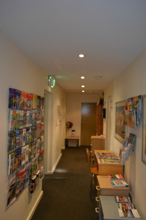 North Melbourne Serviced Apartments: first floor coridor