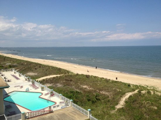 BEST WESTERN PLUS Holiday Sands Inn & Suites: Balcony View