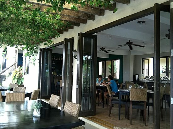 Hotel Soffia Boracay: resto