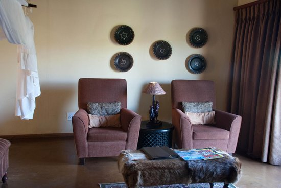 Shishangeni Lodge: Sitting Are