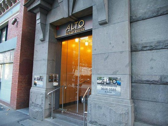 Alto Hotel on Bourke: Hotel Entrance