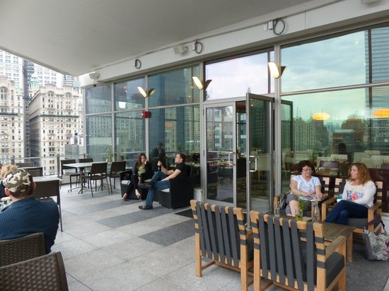 World Center Hotel : 20th floor indoor / outdoor restaurant