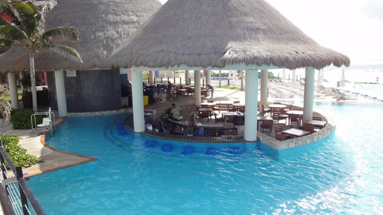 The Westin Lagunamar Ocean Resort: Main Pool
