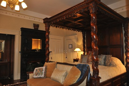 Albion Manor Bed and Breakfast: Rubens Suite