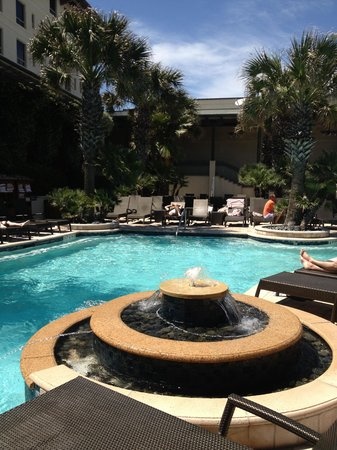 Hotel Galvez & Spa, A Wyndham Grand Hotel: Swim area