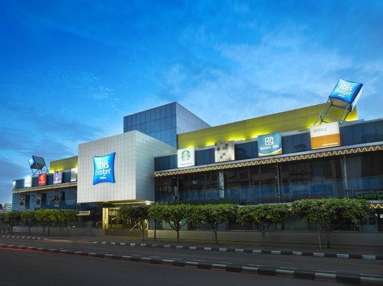 Building Ibis Budget Jakarta Menteng
