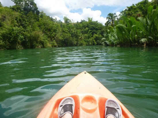 Loboc River Resort: Kayaking from hotel!!!! So pretty