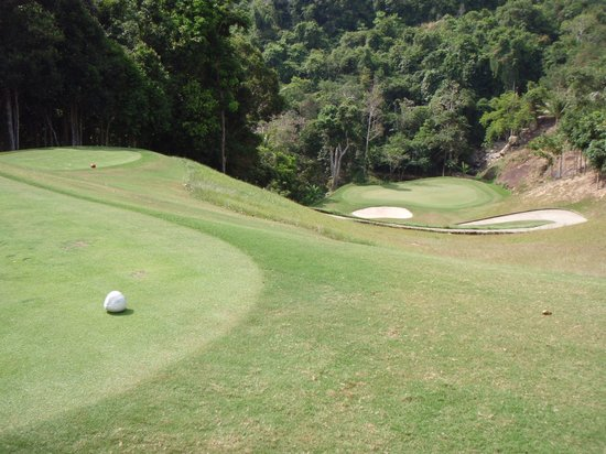 Nora Buri Resort & Spa: Par 3 downhill