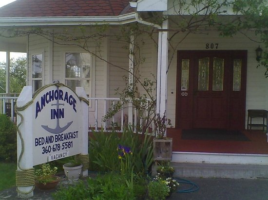 Anchorage Inn Bed and Breakfast : Front entrance