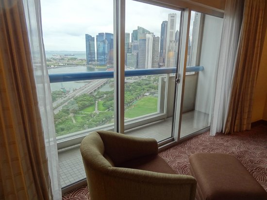 Swissotel The Stamford: balcony facing MBS and financial district