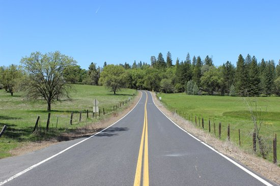 Groveland, Californien: The Road In