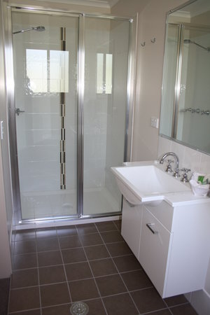 Evans Head, Australia: Ensuite bathroom linen supplied.