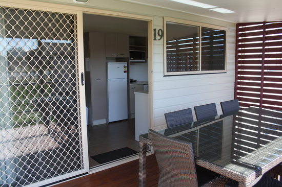 Evans Head, Australia: Spacious 3 Bedroom cabin with outdoor setting