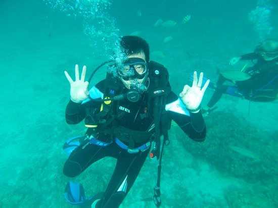 Chalong, Tailandia: Dive buddy - Joey Au.