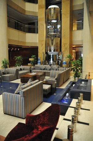Belvedere Court Hotel Apartments: Lobby