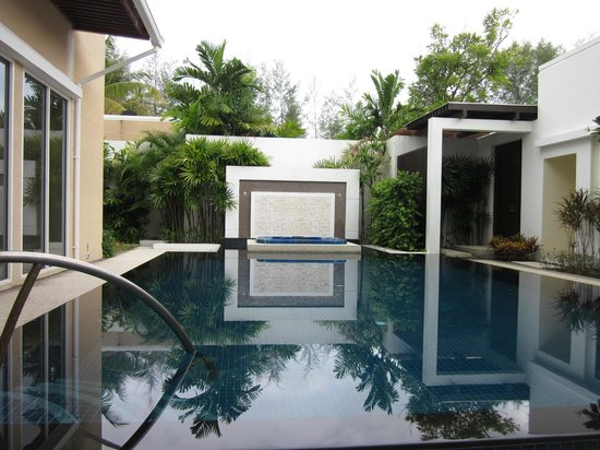 Centara Grand West Sands Resort &amp; Villas Phuket : Our villa pool 