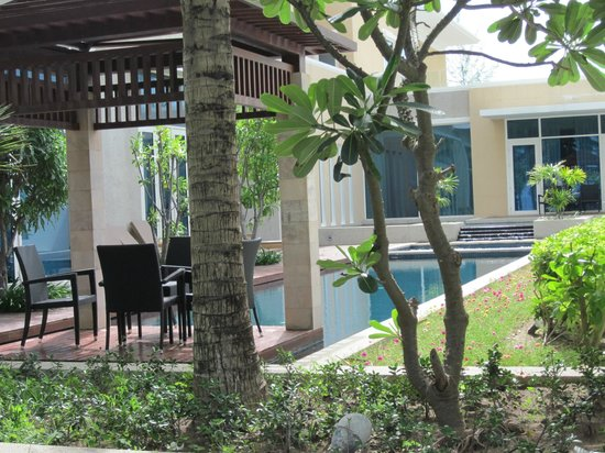 Centara Grand West Sands Resort &amp; Villas Phuket: Villa pool