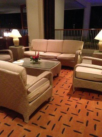 Shangri-La's Mactan Resort & Spa: Sofa