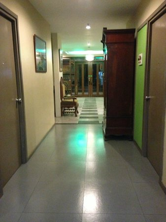 Cebu R Hotel: Hall - 1st Floor