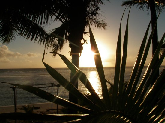 Arorangi, Cook Islands: Sunset from Lagoon Breeze