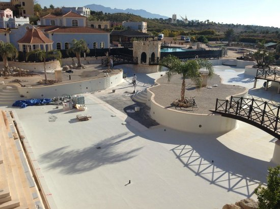 Melia Villaitana : Main pool under repair refurbishment