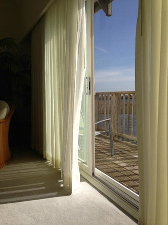 Lighthouse Club Hotel an Inn at Fager&#39;s Island: Room 101 view in afternoon