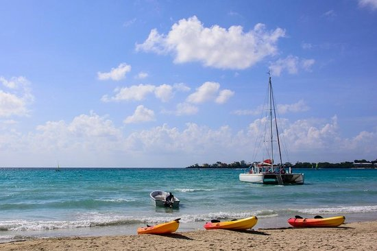 Couples Negril: relatively rough tide for Bloody Bay