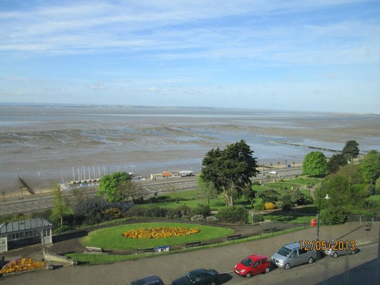 Westcliff-on-Sea, UK: View from our room