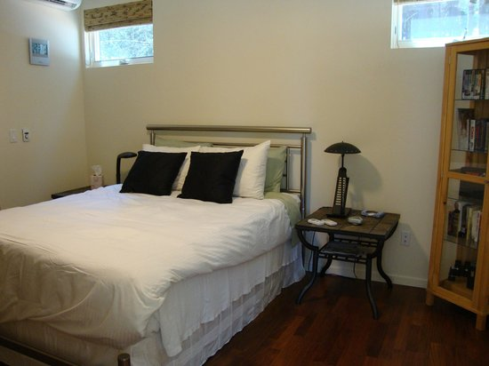 Grass Valley, CA: Zen inspired interior design