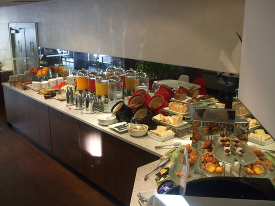 Hotel Ibis Perth: breakfast buffet