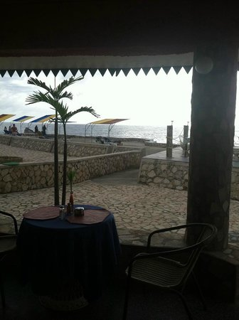 Samsara Cliffs Resort: From the Pub