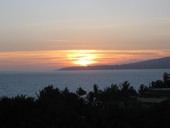 Dreams Villamagna Nuevo Vallarta: Sunset as viewed from our room