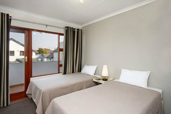 Benoni, Sydafrika: Twin beds in second room
