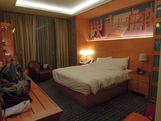 Resorts World Sentosa - Hotel Michael: interior