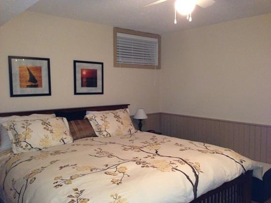 Summerland, Canada: bedroom