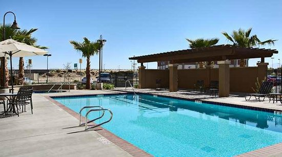 Hilton Garden Inn Palmdale Hotel Pool