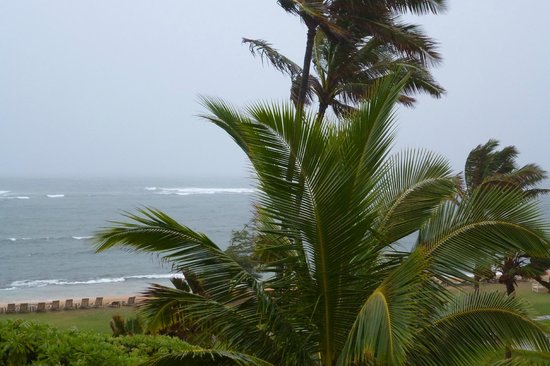 Courtyard by Marriott Kauai at Coconut Beach: Storm coming in